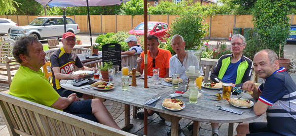 Lunch at The Cricketers, Longparish